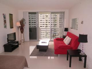 Luxury 2/2 Bay View Suite in the Heart of SoBe - Miami Beach vacation rentals