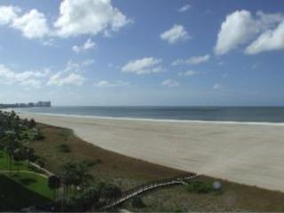 Great condo on the beach! - Marco Island vacation rentals