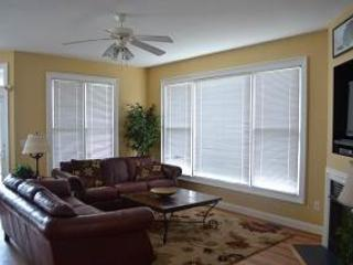 Soundfront 4BR w/ covered deck - Sailfish Point #57 - Image 1 - Manteo - rentals