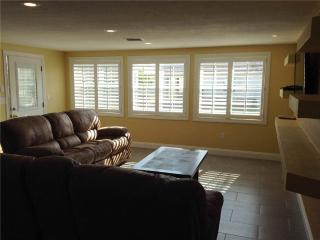 Lovely 2BR condo on the beautiful Crescent Beach - Villa 1 - Siesta Key vacation rentals