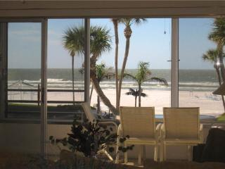 Wonderful 2BR unit on the white beaches - 11 North - Siesta Key vacation rentals