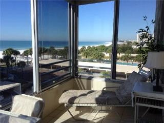 Rest amongst the palm trees ON white beaches - 15 North - Siesta Key vacation rentals