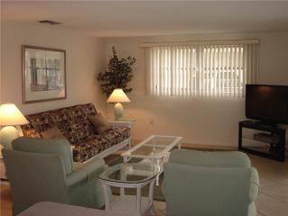 Attract 2BR condo w/ free wifi & beach access - Villa 15 - Siesta Key vacation rentals