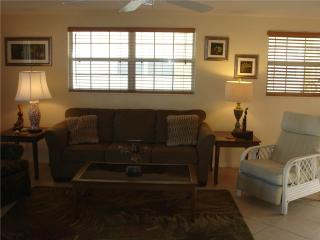 Just steps to turquoise waters of the Gulf of Mexico - Villa 16 - Siesta Key vacation rentals