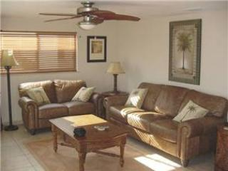 Florida villa w/ full amenities and free wifi - Villa 24 - Image 1 - Siesta Key - rentals