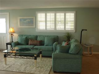2BR villa w/ HD TV, free wifi and parking - Villa 35 - Siesta Key vacation rentals