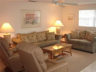 2BR steps to the beautiful azure and turquoise waters -Villa 37 - Siesta Key vacation rentals