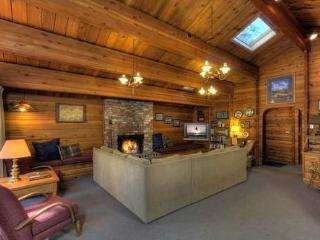 Dillow Log Cabin Tahoe Vacation Rental - Carnelian Bay vacation rentals