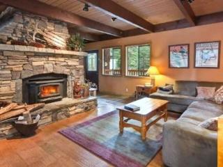 Empey Dog Friendly Tahoe Home-Hot Tub, Pool Table - Carnelian Bay vacation rentals