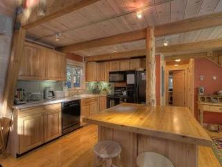 Pine Cone Remodeled Lake Tahoe Cabin w/Hot Tub - Agate Bay vacation rentals