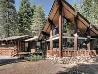 MacDonald Dog Friendly Tahoe Rental - Pool Table - Carnelian Bay vacation rentals