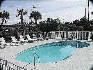 pool - Marshwinds 2F - Folly Beach - rentals