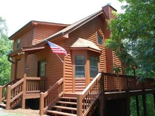SUGAR MAPLE*{JUST REDUCED TO $99/NIGHT!}~SECLUDED~PET FRIENDLY~3 BR~3 BA~POOL TABLE~HOT TUB~SLEEPS 8! - Blue Ridge vacation rentals