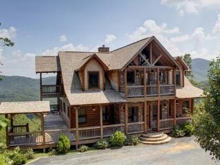 THE LODGE*4 BR~3.5 BATH~CABIN WITH BREATHTAKING MOUNTAIN VIEWS~WIFI~HOT TUB~GAS GRILL~PET FRIENDLY~INDOOR/OUTDOOR GAS FIREPLACE~ - Blue Ridge vacation rentals