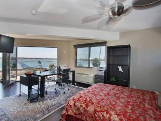 4th bedroom with bayview - San Diego 4 BR-4 BA House (3958 Bayside Walk #1) - San Diego - rentals