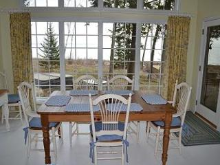 Sun Dancer on West Grand Traverse Bay in Omena - Traverse City vacation rentals
