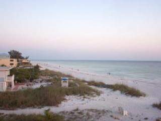 Backside of condo - Anna Maria Island Club - Bradenton Beach - rentals