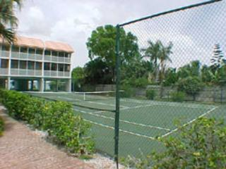 Tennis Courts - Pelican Cove - Bradenton Beach - rentals