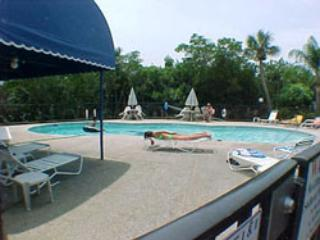 pool - Sandy Point - Holmes Beach - rentals