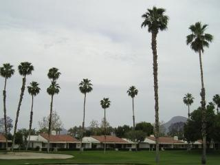 DUR42 - Rancho Las Palmas Country Club - 2 BDRM + DEN, 2 BA - Rancho Mirage vacation rentals