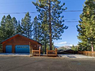 Deluxe Tahoe Chalet in Quiet Neighborhood with Private Hot Tub and Downstairs Secondary Suite (MY67) - South Lake Tahoe vacation rentals