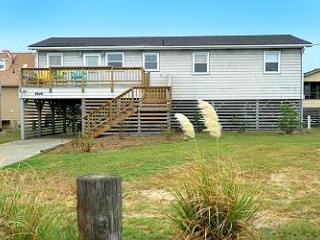 SN8646- Coquina Cottage- A SEMI-O-FRONT BUNGALOW! - Kill Devil Hills vacation rentals