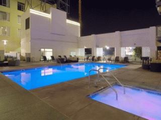 Modern Hollywood 2 Bedroom 2 Bathroom with Pool and More (3993) - Los Angeles vacation rentals