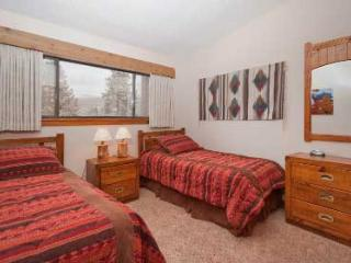 2 Bedroom, 2 Bathroom House in Breckenridge  (06B) - Breckenridge vacation rentals