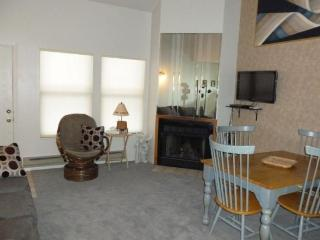 Beautiful Condo with Views of Eden and Wolf Mountain - Eden vacation rentals