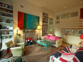 Nevern Square,(IVY LETTINGS). Fully managed, free wi-fi, discounts available. - London vacation rentals