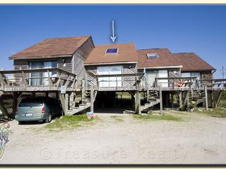 Topsail Villa 20 Oceanfront!   Beach Bungalow with easy beach access - Topsail Island vacation rentals