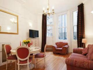 Typical 2 bedroom unit - West End Oxford Street 2 Bedroom Apartment - London - rentals