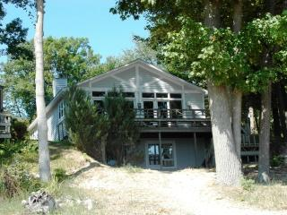 Huron Calling - Tawas City vacation rentals