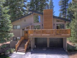 Myers Luxury Vacation Rental-Hot Tub, Dog Friendly - Carnelian Bay vacation rentals