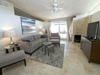 Luxurious Retreat, 5 miles to Rose Bowl - Los Angeles County vacation rentals