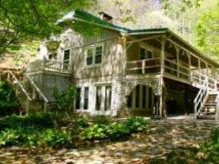 Creekside Waterfall - West Jefferson vacation rentals