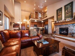 Mountain Rustic Luxury at Jordanelle Deer Valley Gondola - Lake & Ski Slope Views - 4 Bedroom - Park City vacation rentals