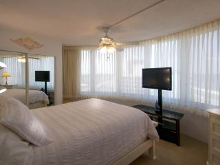 Fall Special 700 weekly Direct Oceanfront 1 BDRM 1 BATH 11NE Peck Plaza - Daytona Beach vacation rentals