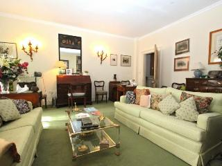 Belgravia home, (IVY LETTINGS). Fully managed, free wi-fi, discounts available - London vacation rentals