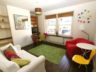 Soho,  (IVY LETTINGS). Fully managed, free wi-fi, discounts available. - London vacation rentals