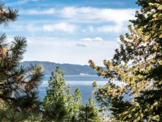 Tahoe City Lakeview Home-Pet Friendly and hot tub - North Tahoe vacation rentals