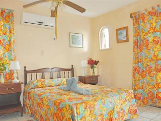 Super Apt. on Negril Beachfront - clean & quiet - Negril vacation rentals