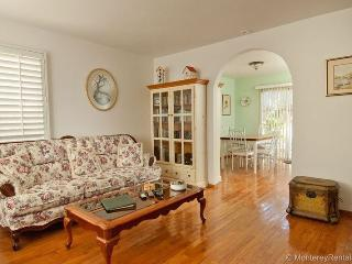 Snuggle In - Pacific Grove vacation rentals