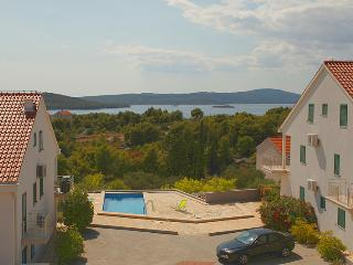 Gorgeous apartment for rent, Milna, Brac apt. 4 - Milna vacation rentals