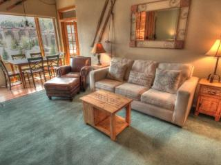 SH506 Summit House 2BR 1BA - Center Village - Copper Mountain vacation rentals
