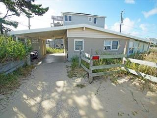 SN9017D- BEACH BUNKER; 3 BDRM W/ GREAT VIEWS! - Outer Banks vacation rentals