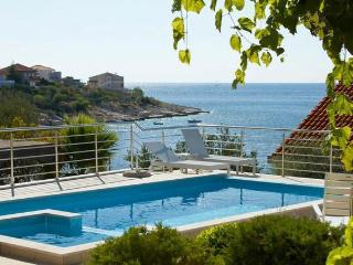 HOLIDAY VILLA IN ROGOZNICA BY THE SEA - Croatia vacation rentals