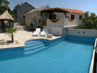 HOLIDAY VILLA WITH POOL - MAKARSKA RIVIJERA - Croatia vacation rentals