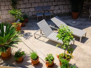 APARTMENTS FOR RENT IN OLD CITY CENTER IN SPLIT - Dalmatia vacation rentals