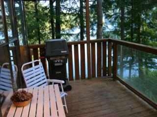 North Lake 1 Bedroom Water Front Retreat on the Sunshine Coast - Gibsons vacation rentals